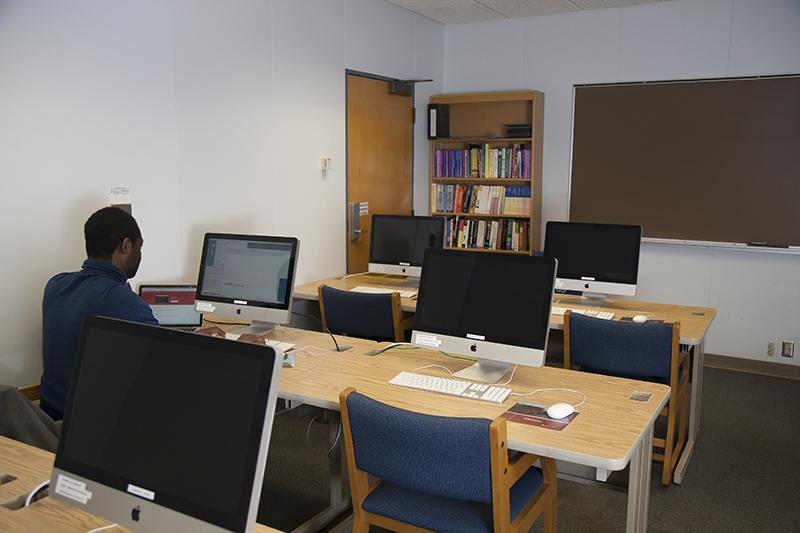 NS 207B (John Russo) Undergraduate Lab